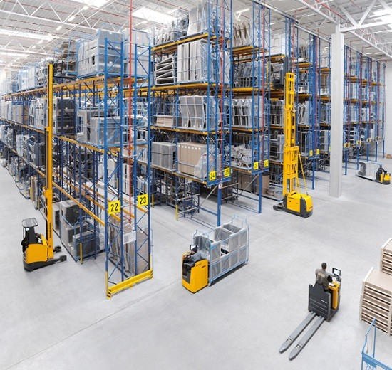 equipamiento y maquinaria de almacen imprescindible