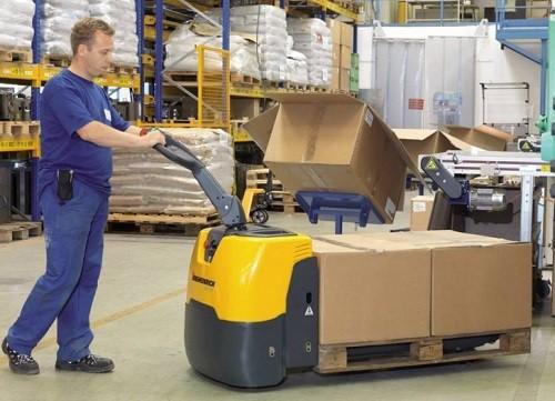 transpaleta electrica para mover cajas pesadas palets