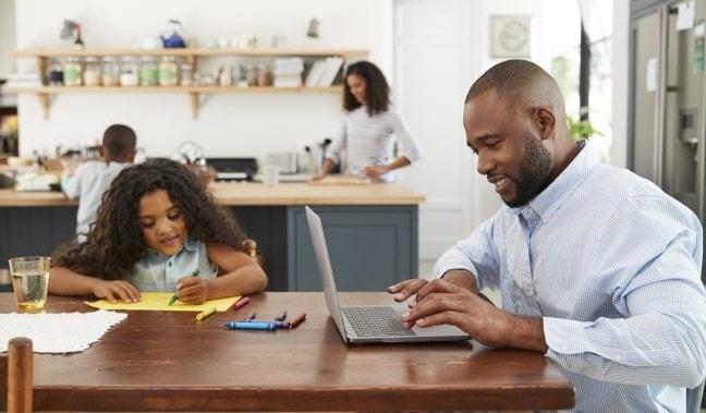 ventajas trabajar online desde casa conciliacion familiar